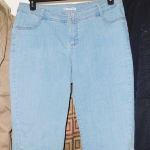 20w Lee jeans slender secret denim capri light was